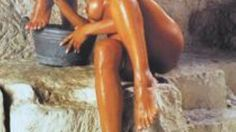 Itaalia kalender šokeerib alasti Neitsi Maarjaga