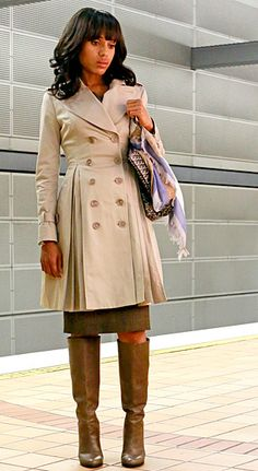 Luxury Rebel Violet Boots I Deep Taupe and Burberry Trench in Oyster
