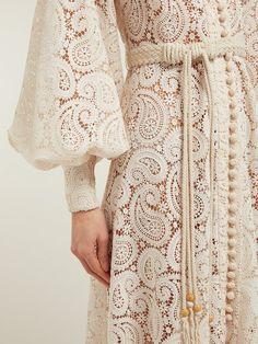 5 Dress Styles That Will Make You Look Thinner Muslim Fashion, Hijab Fashion, Fashion Dresses, Punk Fashion, Lolita Fashion, Crochet Midi Dress, Lace Dress, Lace Maxi, White Dress