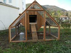 Éco-habitat Auto-construire une maison écologique - Le poulailler - Maison des Hautes Pyrénées (2011)