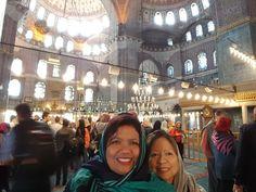 Interior Mezquita Nueva, ordenada por la Sultana Safiye en 1597 demoró 66 años en terminarse - Nov 4 2015