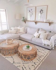 51 Simple living room design in country house style - living room decor - 51 Simple . 51 Simple living room design in country house style – Living room decor – 51 Simple living room Boho Living Room, Interior Design Living Room, Living Room Designs, Bohemian Living, Simple Living Room Decor, Living Room With Carpet, Living Room Ideas On A Budget, Ikea Living Room, White Living Room Paint