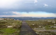 Kosciuszko National Park, New South Wales. Visit the top of Australia's tallest peak, and take a trek through the mountain range. Mount Kosciuszko, Mountain Range, South Wales, Trek, 4x4, Travel Inspiration, National Parks, Around The Worlds, Country Roads