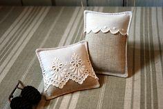 Deux sachets de lavande bio en lin et broderie anglaise pour tiroir et cintre, coussinets de lavande : Soin, bien-être par aufildantan