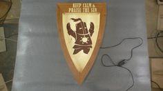 Светильник с Солером.  Подробно об интарсии, немного о работе со шпоном, LED- подсветке на примере щита с Солером - Солнечным рыцарем из компьютерного мира Dark Souls.