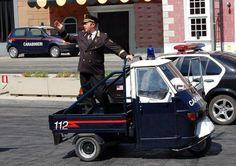 Carabinieri con l'ape car!