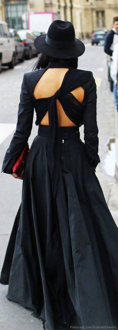 Fashion street style women paris Ideas for 2019 Fashion Details, Look Fashion, High Fashion, Womens Fashion, Fashion Design, Trendy Fashion, Haute Couture Style, Fashion Week Paris, Belle Silhouette
