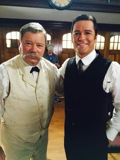 Here's your first look at the one-and-only William Shatner as Mark Twain with Yannick Bisson on the set of Murdoch Mysteries! Season 9