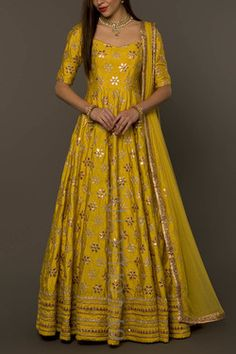 Gottapatti work and yellow beautiful Party Wear Indian Dresses, Designer Party Wear Dresses, Indian Gowns Dresses, Indian Bridal Outfits, Party Wear Lehenga, Dress Indian Style, Indian Designer Outfits, Lehenga Designs, Kurta Designs