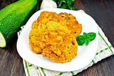 Placki z cukinii Risotto, Cauliflower, Curry, Vegetables, Ethnic Recipes, Food, Cauliflowers, Meal, Curries