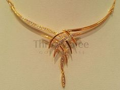 Thrie Malee Gold House – offers the largest selection of fine jewelry and gemstones with fair prices. Bridal Necklace, Bridal Jewelry, Necklace Set, Simple Necklace, Gold Jewelry Simple, Gold Jewellery Design, Handmade Jewellery, Jewellery Shops, Jewellery Box