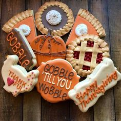 Delicious Thanksgiving Cookie Recipes Your Family Will Love Health & Fitness - Mastercrafter - DIY Christmas Ideas ♥ Homes Decoration Ideas Fall Decorated Cookies, Fall Cookies, Cut Out Cookies, Iced Cookies, Cute Cookies, Royal Icing Cookies, Cookies Et Biscuits, Holiday Cookies, Cupcake Cookies