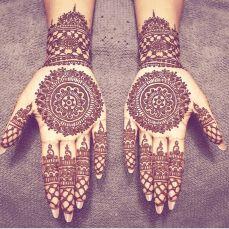Ten Gorgeous Wedding-Day Henna Designs Henna Designs You Need To See- henna