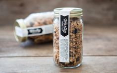 Simplistic jar label that doubles as a lid seal. Popcorn Packaging, Spices Packaging, Jar Packaging, Bakery Packaging, Cookie Packaging, Food Packaging Design, Brand Packaging, Bakery Branding, Packaging Ideas