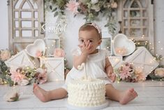 1st Birthday Party For Girls, First Birthday Pictures, 1st Birthday Cake Smash, Tea Party Birthday, Baby First Birthday, Birthday Ideas, Smash Cake Girl, Girl Cakes, Cake Smash Backdrop