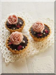 「【バレンタイン】バラの生チョコタルト♪」cherry♪ | お菓子・パンのレシピや作り方【corecle*コレクル】