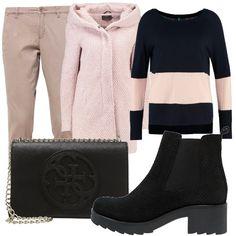 Maglia dai colori a contrasto rosa e nero abbinata ad un pantalone taupe. Coprispalla corto con cappuccio. E per finire stivaletto e borsa rigorosamente black.