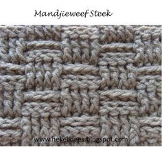 Hekel Idees: Mandjieweef Steek / Basketweave Stitch Fingerless Gloves Crochet Pattern, Crochet Poncho, Crochet Hats, Chrochet, Crochet Sunflower, Sunflower Pattern, Purse Patterns, Crochet Patterns, Crochet Market Bag
