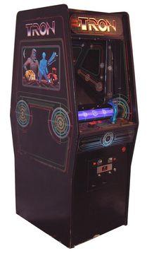 didn't play Tron but loved the arcade Vintage Video Games, Classic Video Games, Retro Video Games, Arcade Games For Sale, Retro Arcade Games, Nintendo, Pinball, Gi Joe, Tron Game
