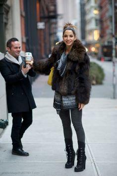 ba7943d74f New York Street Style 2012: Fur Coat Utcai Divat, Műszőrme, Szőrmekabátok,  Tollak