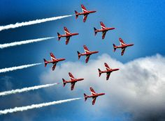 Raf Red Arrows, Airplane Crafts, Festival Of Speed, Royal Air Force, Air Show, Action, Airplanes, Aircraft, Pictures