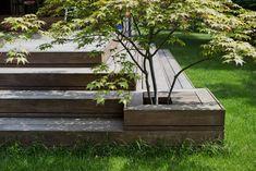 3 tips til den perfekte terrasse Outdoor Rooms, Outdoor Gardens, Outdoor Living, Outdoor Decor, Sloped Garden, Backyard Projects, Deck Design, Garden Spaces, Dream Garden