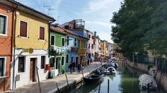 Everybody kept telling me how romantic Burano island is, so I had to check in person and, guess what? It really is. Enjoy the story of my Burano experience!