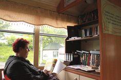 Трамвай с библиотекой, Curtains, Home Decor, Blinds, Interior Design, Draping, Home Interior Design, Window Scarf, Home Decoration, Decoration Home