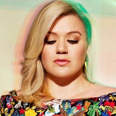 kelly clarkson's outlook on Internet trolls and negativity.