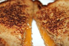 Two Maids a Milking: 15 Gourmet Grilled Cheese Recipes Yummy Eats, Yummy Food, Grilled Cheese Recipes, Grilled Cheeses, Soup And Sandwich, Sandwich Recipes, Wrap Sandwiches, Gourmet Sandwiches, Maids
