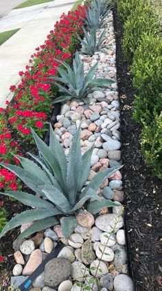 Front Yard Landscaping Ideas - Steal these affordable and very easy landscape design ideas for an attractive backyard. Front Yard Landscaping Ideas - Steal these affordable and very easy landscape design ideas for an attractive backyard. Stone Landscaping, Landscaping With Rocks, Outdoor Landscaping, Outdoor Gardens, Luxury Landscaping, Diy Landscaping Ideas, Landscaping Front Yards, Landscaping Plants, River Rock Landscaping