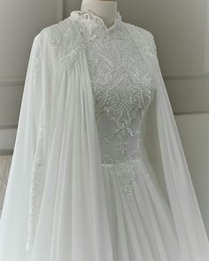 20 Modest Wedding Dresses For The Fashion-Loving Modern Bride - New ideas Muslim Wedding Gown, Muslimah Wedding Dress, Muslim Wedding Dresses, Dream Wedding Dresses, Bridal Dresses, Dress Muslimah, Beautiful Gown Designs, Beautiful Gowns, Robes D'inspiration Vintage