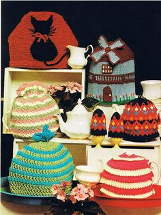 Hey, I found this really awesome Etsy listing at https://www.etsy.com/listing/187588329/knitted-windmill-tea-cosy-cat-tea-cosy