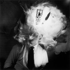 Fernando Lemos (1926, Portugal) -  Fernando Lemos / Auto-retrato, 1949, Fotografia a preto e branco, 60 cm x 50 cm