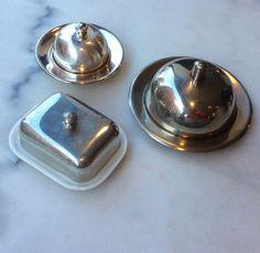 kannellisia voitarjoiluastioita . voidaan käyttää myös esim. kaviaarin tarjoiluun . pieni pyöreä myyty . @kooPernu