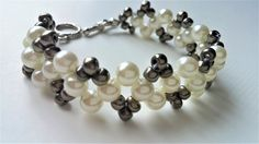 DIY Pearl Bracelet .Beaded jewelry pattern for beginners