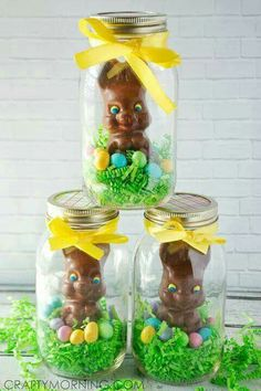 easter decorations 490962796867436724 - Mason Jar Chocolate Easter Bunny Gifts – Crafty Morning Source by danpotik Ostern Party, Diy Ostern, Easter Candy, Hoppy Easter, Easter Food, Easter Table, Easter Eggs, Easter Snacks, Easter Chick