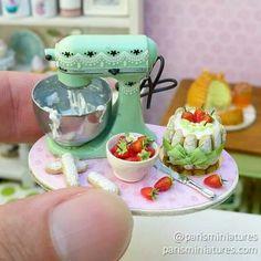 Making mini strawberry cake!