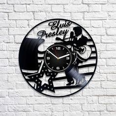 The King Art Birthday Gift Idea For Her Elvis Presley Clock Lp Retro Vinyl Record Wall Clock Music Gift Wall Clock Large Elvis Presley Art by VinylDecorCrafts on Etsy Подарки На День Рождения, Музыкальные Подарки, Большие Часы, Ремесло