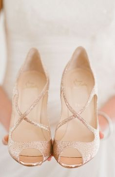 Christian louboutin wedding shoes fashion trend www.be Cheap price for Christian Louboutin High heels/Shoes for your Chrismas day! Rose Gold Wedding Shoes, Bridal Shoes, Glitter Wedding, Wedding Rings, Rose Gold Shoes, Black Shoes, Rose Wedding, Colorful Wedding Shoes, Sandals Wedding