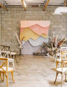 Wedding Table Setup, Wedding Ceremony Decorations, Backdrop Wedding, Backdrop Event, Wedding Aisles, Backdrop Design, Wedding Ceremonies, Rustic Bohemian Wedding, Bohemian Wedding Inspiration