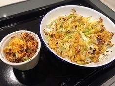 煮菜手忙腳亂的時候,最適合來做烤花椰菜了,花椰菜洗好、切一切、拌一拌橄欖油跟調味料、烤一烤,就完成了,是不是不可思議的簡單! 重點是花椰菜烤過以後變得脆脆...