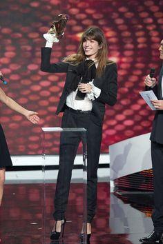 Lou Doillon recevant le prix d'Artiste interprète féminine lors des Victoires de…