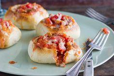 Puedes hacer de cualquier panecillo (¡cualquiera!) un minicuenco. Consigue la receta.