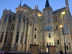 Gaudi, Barcelona Cathedral, Building, Travel, Palaces, Buildings, Viajes, Traveling, Antoni Gaudi