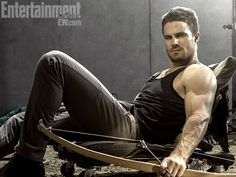 Stephen Amell/Oliver Queen muscles aren't required to enjoy archery's health benefits. Photo: Entertainment Weekly