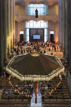 Fotos Sagrada Familia. Descobreix la espectacular galeria fotogràfica del Temple Expiatori de la Sagrada Familia Barcelona.