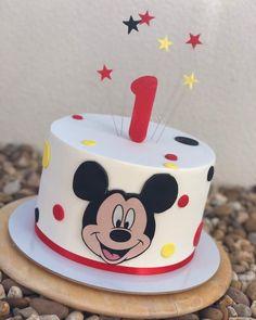 Bolo Mickey Baby, Bolo Da Minnie Mouse, Mickey Mouse Smash Cakes, Mickey Mouse Birthday Decorations, Boys First Birthday Cake, Theme Mickey, Mickey Cakes, Mickey Mouse Clubhouse Birthday, Minnie Mouse Cake