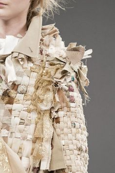 Viktor & Rolf at Couture Fall 2016 - Fabric Manipulation – Woven jacket with mixed fabrics for texture & contrast; couture fashion design detail // Viktor & Rolf Fall 2016 Source by langenanja - Couture Details, Fashion Details, Look Fashion, Fashion Art, Fashion Trends, Couture Ideas, Weaving Textiles, Textile Fabrics, Textile Texture