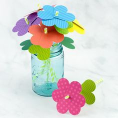 Just in time for spring, kids of all ages will enjoy making a vibrant bouquet of paper heart flowers with colorful scrapbook paper, green paper straws, and a heart paper punch. Paper Crafts For Kids, Preschool Crafts, Easter Crafts, Diy Paper, Crafts To Make, Craft Kids, Flower Making Crafts, Flower Crafts, Flowers For Valentines Day